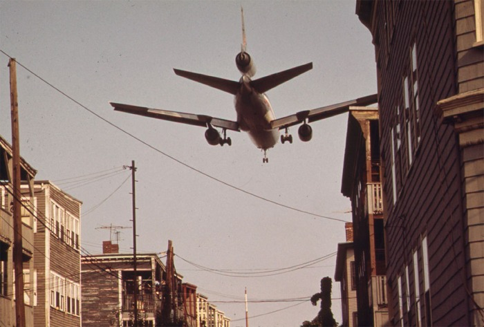 Jet_over_Neptune_Road,_East_Boston,